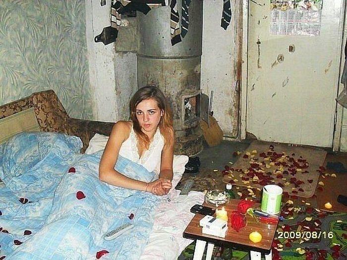Одинокие женщины выкладывают свои снимки в интернет  458654