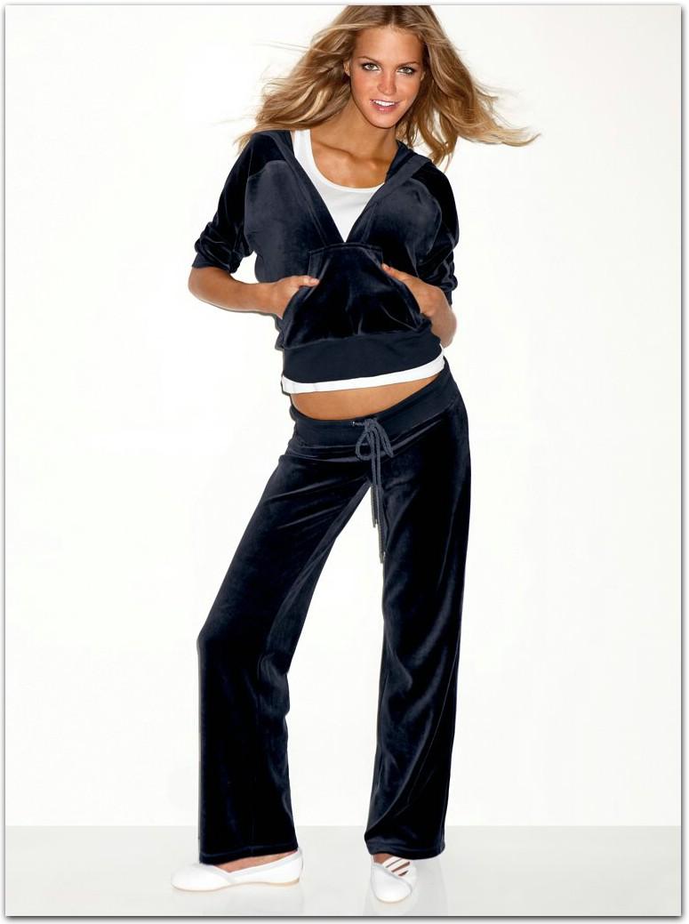 Каждая активная девушка в новом сезоне обязана иметь модные спортивные костюмы необычно-современного и