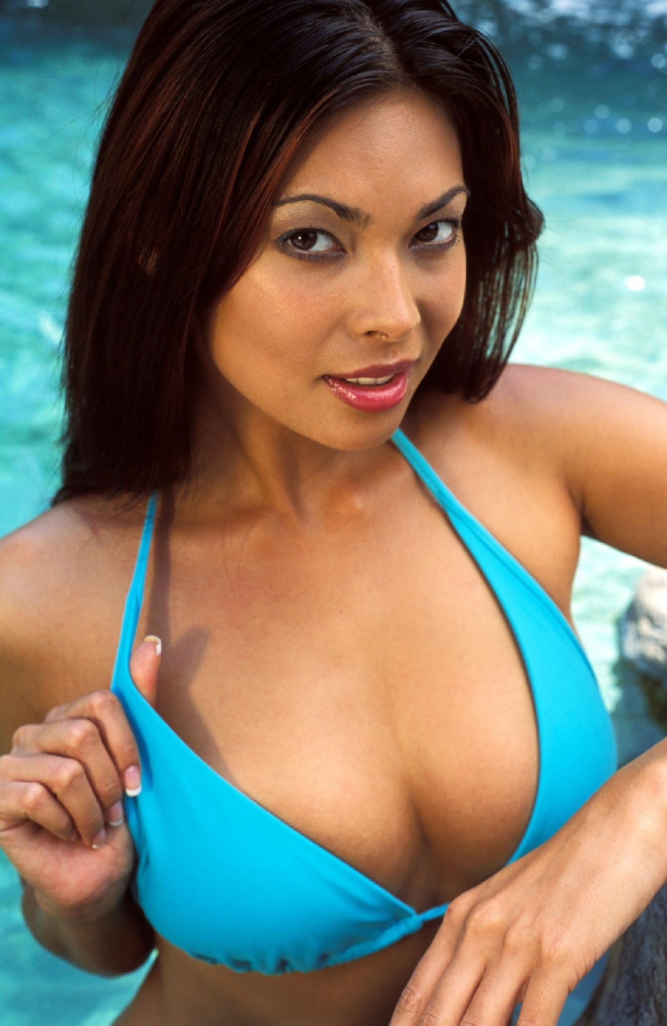 Famous Asian pornstar Tera Patrick modeling non nude in bikini № 1466329 бесплатно
