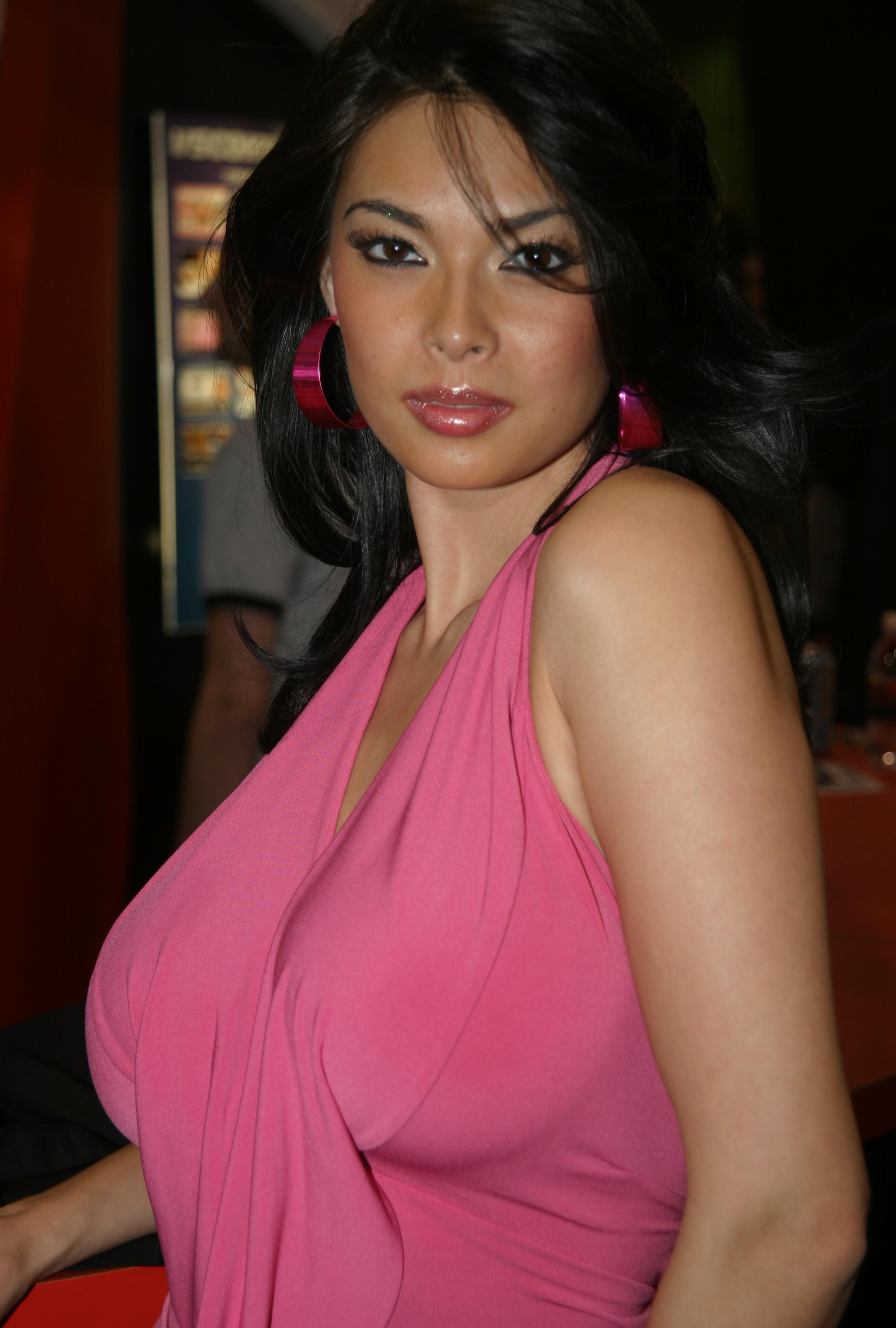Famous Asian pornstar Tera Patrick modeling non nude in bikini № 1466305 загрузить