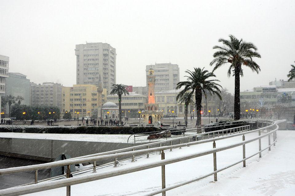 2-subat-2012-izmir-kar-yagisi_220829.jpg