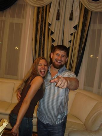Кадыров с проститутками мама бывшая проститутка